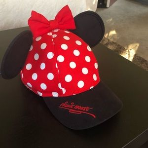 Minnie Mouse ears Disneyland hat